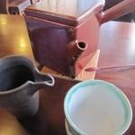 小坂 芳春庵 - 「そば焼酎蕎麦湯割り」の設え