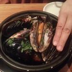 タイーム - 2014・9・29 巨大ムール貝の白ワイン蒸し