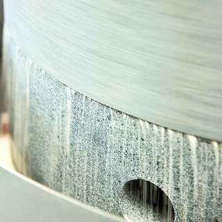 小木曽製粉製麺工場直営、厳選した蕎麦を石臼挽きで。