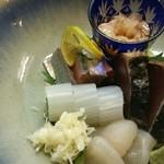 みち藤 - お任せ刺身盛り1500円  フグ・サンマ・カツオ・白子