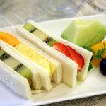 ツルザワ - 料理写真:当店人気NO1!フルーツサンドイッチ