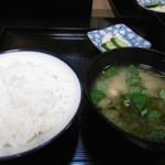 旬亭 - ご飯に味噌汁