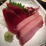 海鮮鮨市場 魚がし - 大ぶりカットの刺し身はカツオとブリ。天然のウマさ