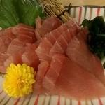 魚鮮水産 福島駅前通り店 - 生まぐろ大漁盛り(339円)