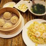 新台北 - 【土日祭日限定】小龍包と海老炒飯のセット