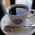 アンゴロ - ドリップコーヒー350円:コーヒーは焙煎したての豆を毎週2度仕入れている