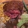 ヒッコリー - 料理写真:ジャーマンハンバーグは中がレア