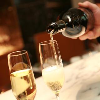 ジェームス邸専属ソムリエがこだわりのワインをご提案します。