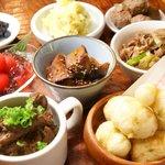 BISTRO DE まいど - 日替わりで登場するお惣菜盛り