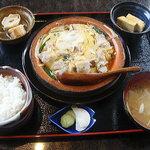 ファミリー割烹 みなみ - 料理写真:旬野菜と豚肉の柳川鍋