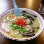 焼肉いずみ - 料理写真:とんこつラーメン 700円