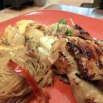 ワールドビュッフェ - ガイヤーン、チャプチェ、海鮮野菜炒め、麻婆豆腐