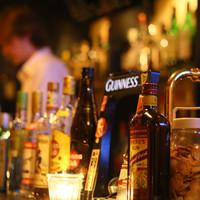 隠れ家bar PTN - お酒が主役のお店です。たくさんのお酒に囲まれておいしいカクテルと雰囲気を味わってください。