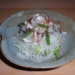 日本料理 日の出 - ふぐ皮のサラダ