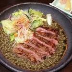 倭寇 - ロース肉の炭火焼