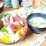海鮮茶屋 やぐるま - 海鮮丼(上)