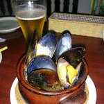 31184799 - ムール貝のビール蒸し