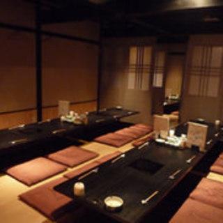 和の個室と落ち着いた雰囲気の中、自分のペースで食事と酒を堪能