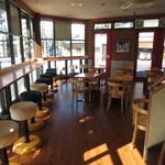 TO-FU CAFE FUJINO - オープンすぐなので誰もいません(^^)