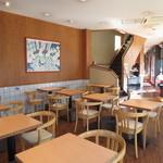 TO-FU CAFE FUJINO - 2人掛けテーブル席がズラリ♪