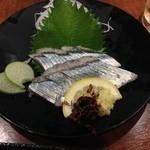 季節一品料理 かず伸 - 旬のさんまの刺身