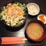 のどぐろ家 姫川 - ずわい蟹とアボガドサラダ バラちらし