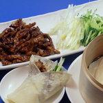 丸一食堂 - 料理写真:京醤肉絲 豚細切り肉の甘味噌炒め  北京ダックの豚バージョン?!