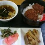 B級グルメ館 - ソースカツ丼(ミニ)350円