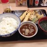 さん天 - 天ぷら定食(特別価格390円)