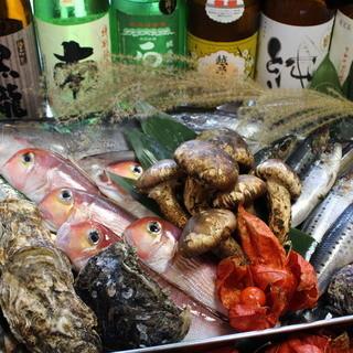 贅沢!刺身盛合せなど、新鮮魚介が揃ってます!!