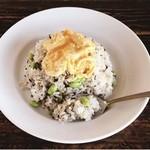 和カフェ yusoshi - 塩昆布チャーハン 卵のっけ