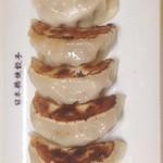日本橋焼餃子 - ニンニク不使用の看板餃子です。