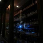 31197797 - 酒屋らしく充実のウォークインセラー