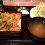 ぶたじろう - たれカツ丼 680円