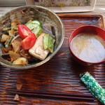 潺 - 料理写真:地元野菜の野菜丼