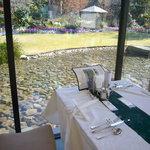 花遊庭 - 庭の見えるテーブル席