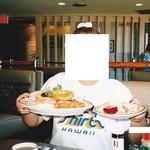 Wailana Coffee House - ダイニング・チップ・バイ・メル・キャンベル(サラダバー付き)