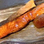 たるや鉄板焼 - 生サーモン バター焼