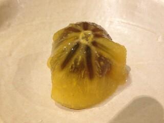 鮨旬美西川 - 「巨峰と柿の酢の物」