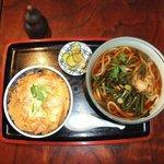 車屋 - 親子丼と山菜うどん