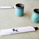 甚太 - お茶と箸