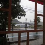 からさわ - 窓から見える尾道水道