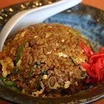 御麺 麦 - 黒チャーハン 器との色合いが美味しさUPです