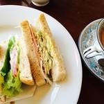 31227479 - 野菜サンド&カフェオレ2014.8