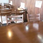 カワラヤ - テーブル席