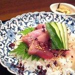季節料理 いちい - 特上ちらし寿司
