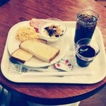BECK'S COFFEE SHOP - 秋のモーニングセット2 ¥480 イチゴジャム ¥40