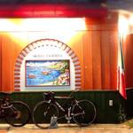 トラットリア グランドゥーカ - オシャレな壁ですね