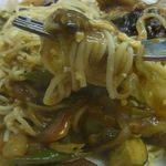 BeBe - 中華風カレー(野菜、肉入りあんかけカレー)のスパゲッティ980円