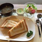 天満屋サンド - Cランチ ホットサンド 1,000円